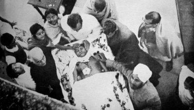 mohandas-gandhi-funeral